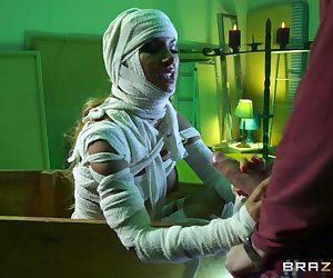 Danny D and his wife are spending their first night in and brand new house. Danny is certain that the place is haunted. Sure enough, he finds a mummy (Elicia Solis) in the basement! Luckily for him, this happens to be an outrageously sexy mummy with an unholy appetite for big dick that hasn't been satisfied in millennia.