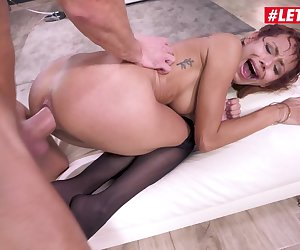 Latina babe Veronica Leal pushes her anal limits in hardcore sex session with huge cock.