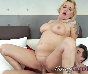 Pussy eaten mature blonde gets fucked