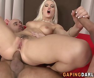 Butthole puckering and gaping babe in anal threeway gets face and mouth jizzed